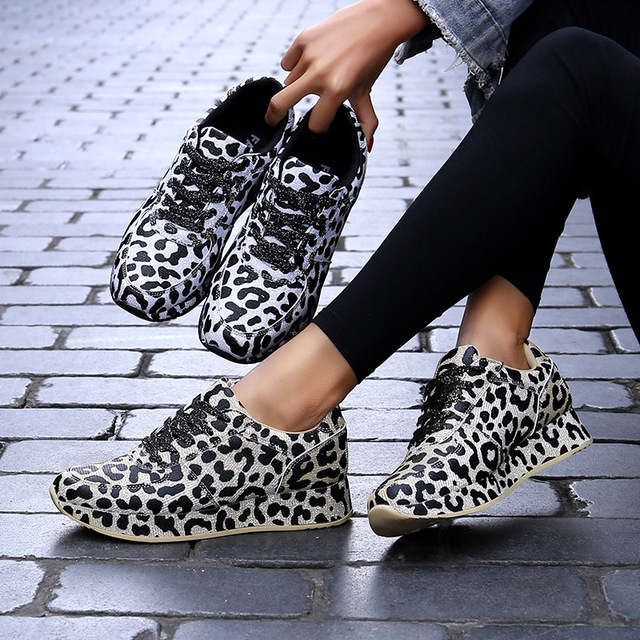 Tiger colour shoe, quality sneakers for matured ladies - cover photo